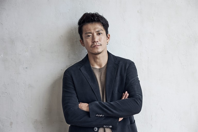 ForbesJAPAN・メルセデスベンツwebsite 小栗旬さん撮影